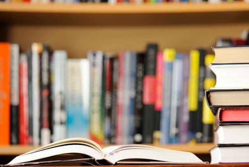 """Η καινούργια βιβλιοθήκη μας στο ΓΟΝΚ """"Οι Άγιοι Ανάργυροι"""""""